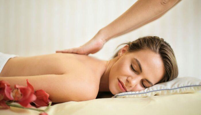 (Hot stone) Massage